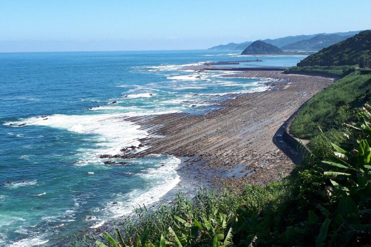 堀切峠から望む日南海岸